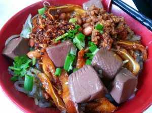 0515 秘製醬汁撈紅薯幼粉 (川味美食)